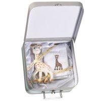 Sophie zsiráf és kis törölköző bőröndben-Sophie